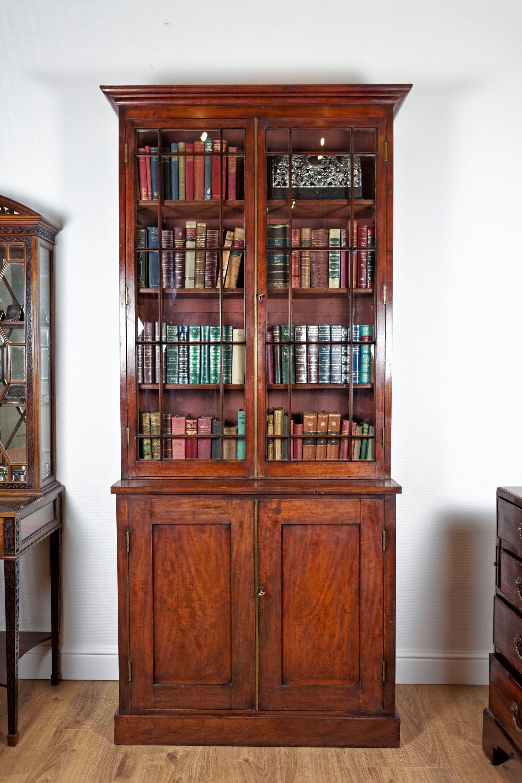 Zweitüriger Bücherschrank, Regency, Mahagoni Sortiment Bücherschränke