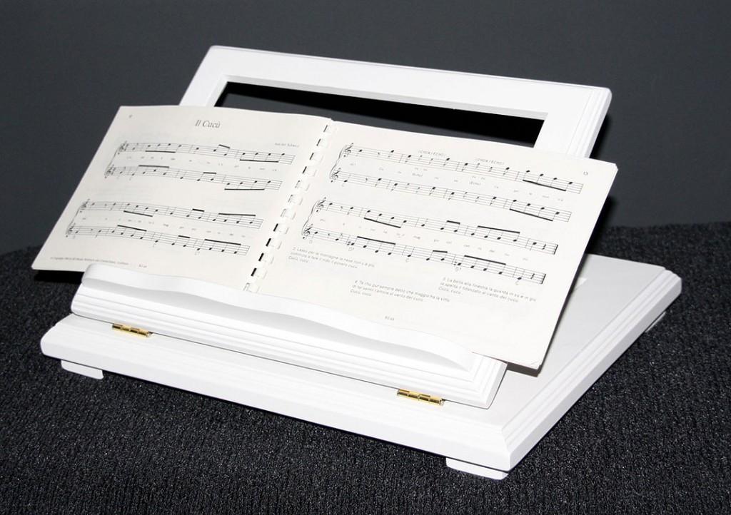 Buchstütze Buchhalter Buchständer Notenständer höhenverstellbar - massiv Holz weiß – Bild 1