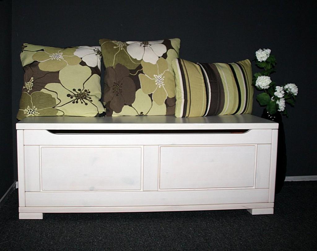 truhe 120x45x43cm kiefer massiv wei lasiert. Black Bedroom Furniture Sets. Home Design Ideas
