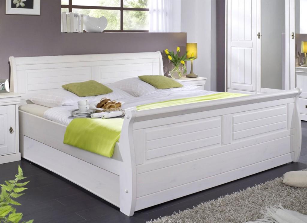 Bett 140x200 holz massiv  Bett 140x200, Kiefer massiv weiß gewachst