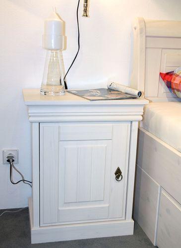 Bett mit Bettkasten und Nachtischen Kiefer massiv weiß lackiert – Bild 6