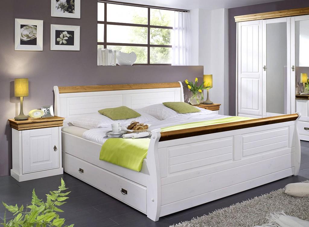 bett mit bettkasten und nachtischen kiefer massiv wei honig. Black Bedroom Furniture Sets. Home Design Ideas