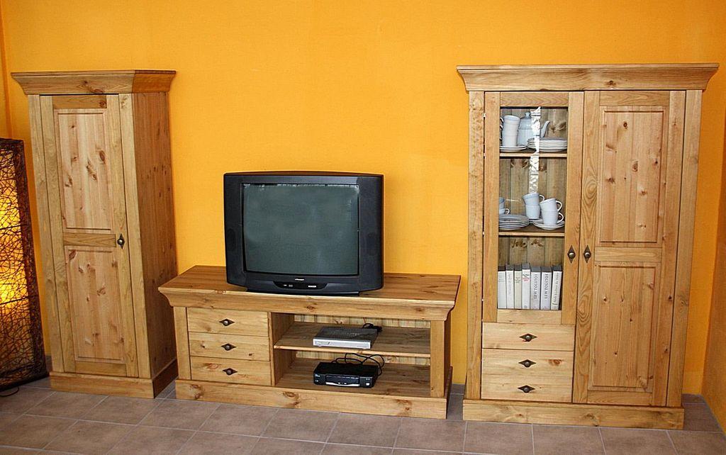 Tv Lowboard 143x59x45cm 3 Schubladen Kiefer Massiv Gelaugt Geölt
