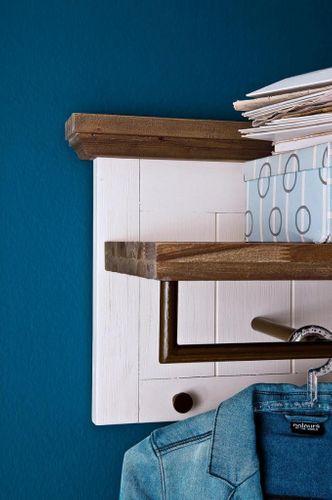 Wandgarderobe Akazie weiß vintage Holz Hutablage shabby-chic – Bild 4