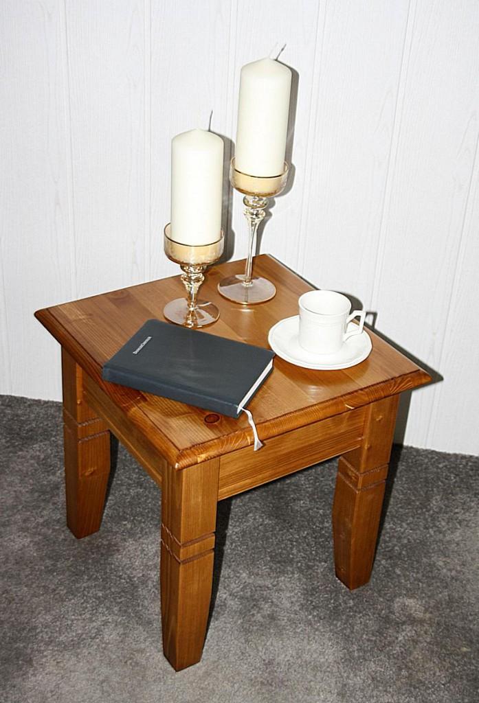 couchtisch 45x46x45cm fichte massiv honigfarben lackiert. Black Bedroom Furniture Sets. Home Design Ideas