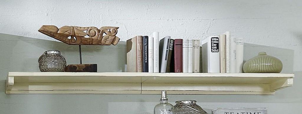 Wandregal weiß vintage  Wandboard 150cm, Fichte massiv antik creme Vintage