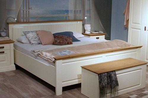 Doppelbett 180x200 hohes Fußteil Vollholz Bett Kiefer massiv creme Wildeiche geölt – Bild 2
