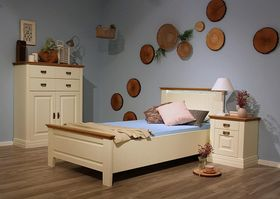 Kinderzimmer komplett / Gästezimmer 3-teilig, Bett, Nachtkommode, Highboard, Kiefer / creme lackiert / Wildeiche geölt 001