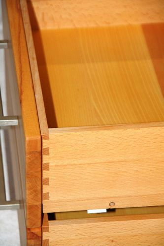 Massivholz Highboard rechts Kernbuche massiv geölt Wohnzimmerschrank Flurkommode Holz – Bild 5