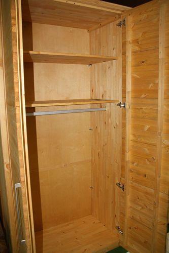 Schlafzimmer Massivholz 4tlg. Set Kiefer gelaugt geölt Bett mit Lederimitat -Kopfteil 200x200 56 Höhe Kleiderschrank 5trg – Bild 7