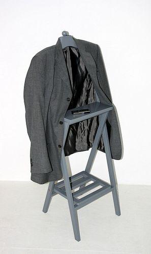 Herrendiener Holz Kleiderständer Mahagony grau lackiert Stummer Diener – Bild 1