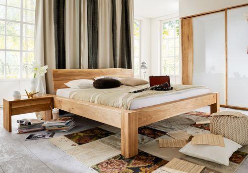 Massivholz Baumkanten-Bett 140x200 Rustikal Wildeiche massiv geölt – Bild 1