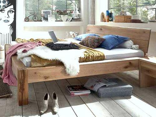 Massivholz Baumkanten-Bett 140x200 Wildeiche Bianco geölt – Bild 1