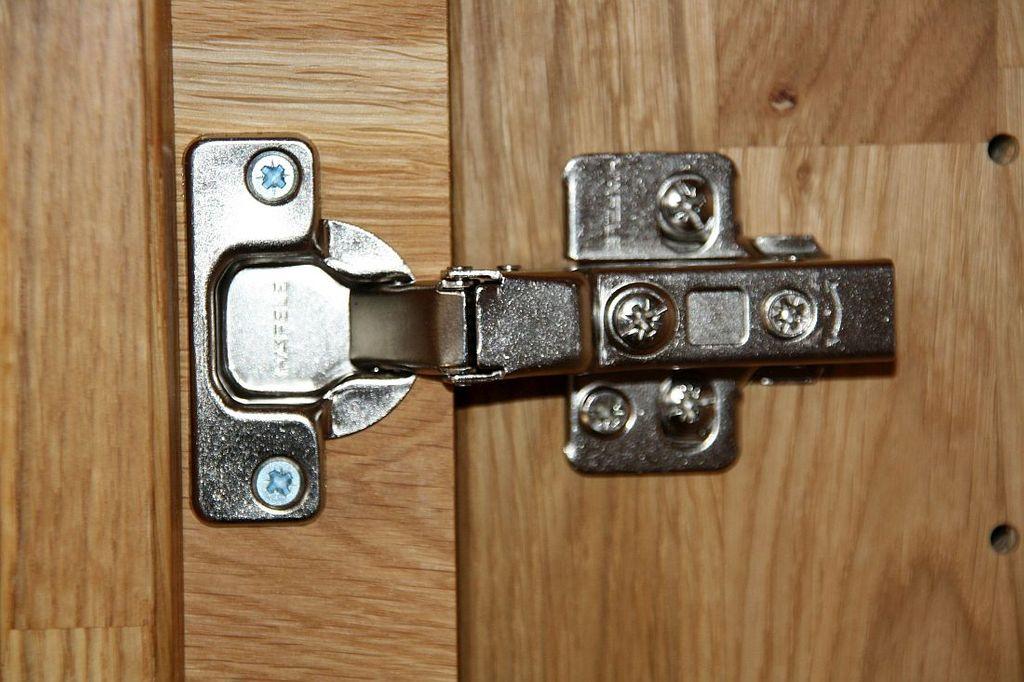 Kleiderschrank Buche massiv 3 türig 143x216x61 Livos Öl – Bild 5