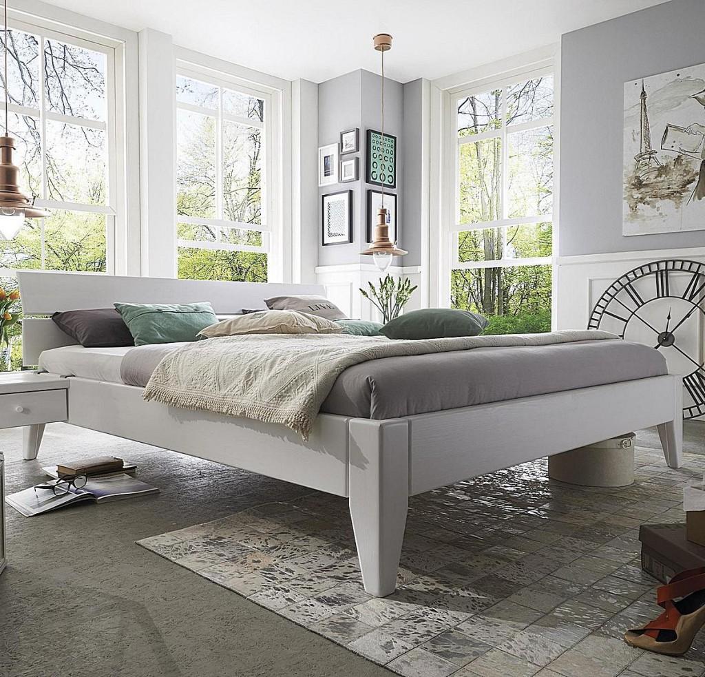 Bett weiß 160x200  Bett 160x200, Beine 2 Komforthöhe, Kopfteil 2, Kiefer weiß lackiert
