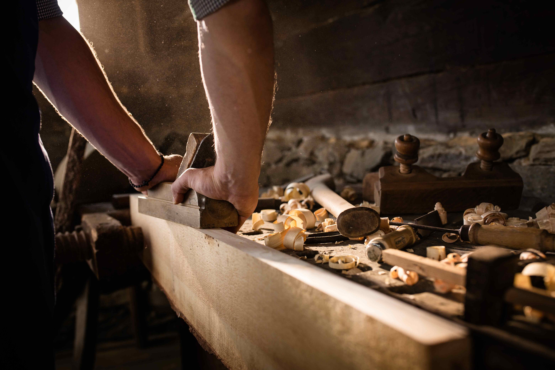 Produktionsfoto zirb in der Werkstatt