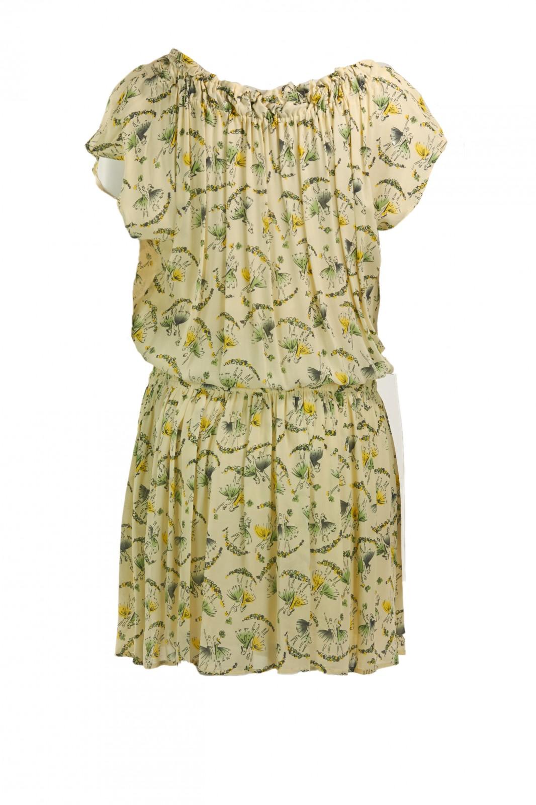 Romantisches Kleid mit Muster
