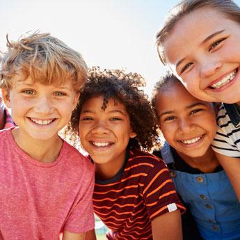 Multivitamin Fruchtgummies für die Familie Schutz Immunsystem, perfekt für Kinder