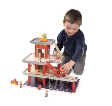 Janod Feuerwehrstation Feuerwache mit 10teiligem Zubehör Holz Spielzeug 05717 – Bild 6