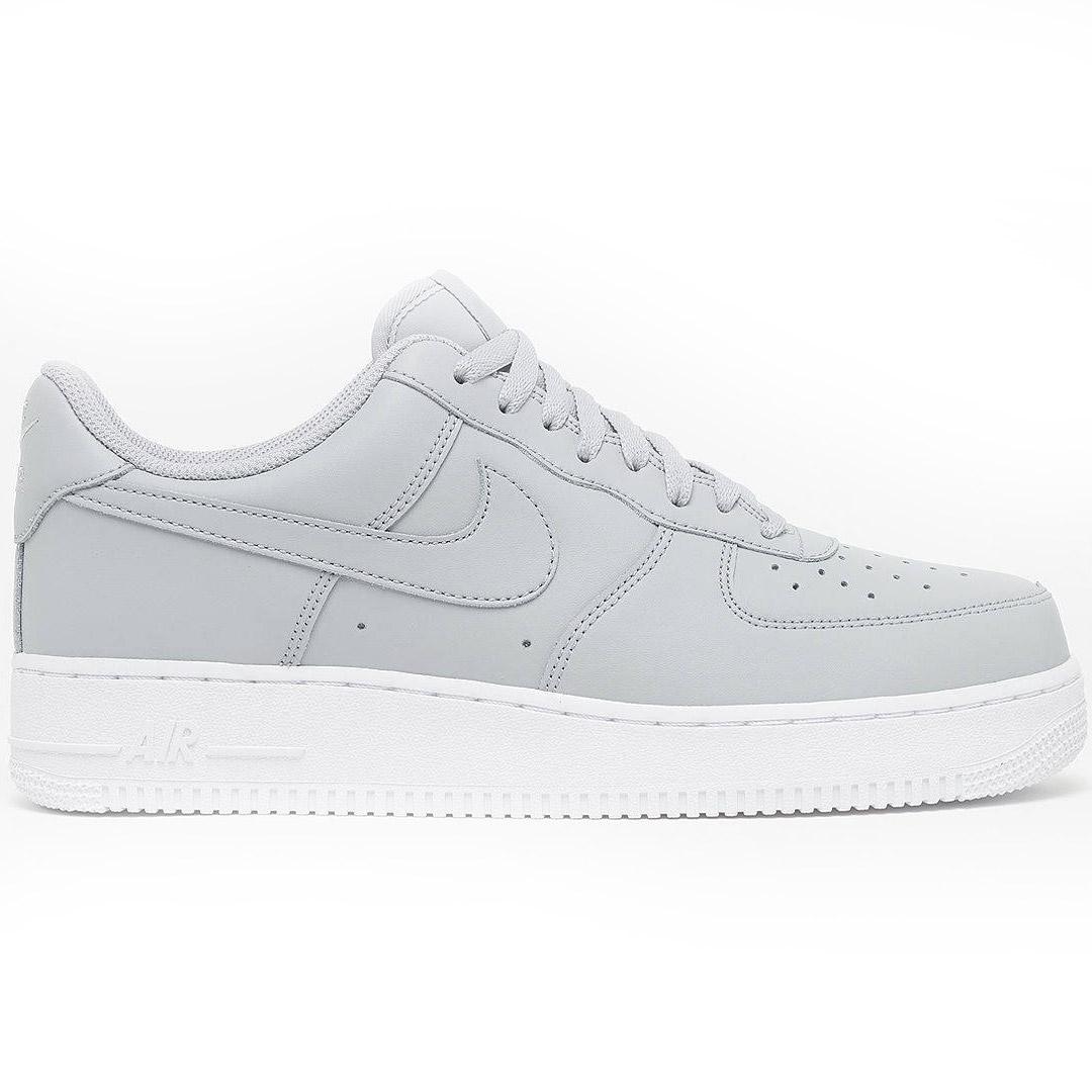 Nike Air Force 1 '07 Sneaker grau AA4083 010