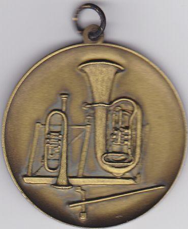 Medaille für Blasorchester (mit Öse und Ring), bronze, 50 mm Ø