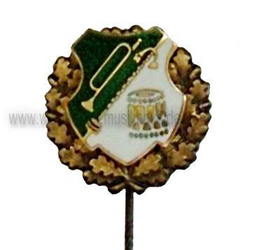 Emailleabzeichen Fanfarenzug grün