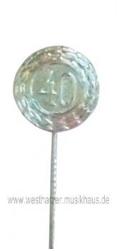 Jubilar-Abzeichen Zahl 40 geprägt versilbert lange Nadel