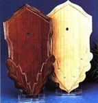 Geschnitztes Eicheholzschild für Rehtr.