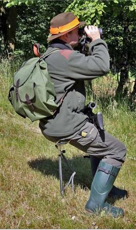 Transportabler und leichter Sitzstock mit Klappsitz höhenverstellbar im Jagdartikelshop Bandemer kaufen