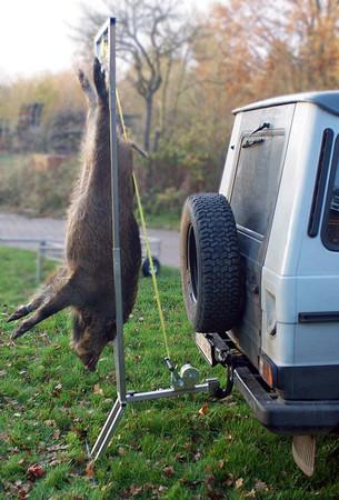 Aufbrech Zerwirk- und Bergehilfe mit Gurtseilwinde  im Jagdartikelshop Bandemer kaufen