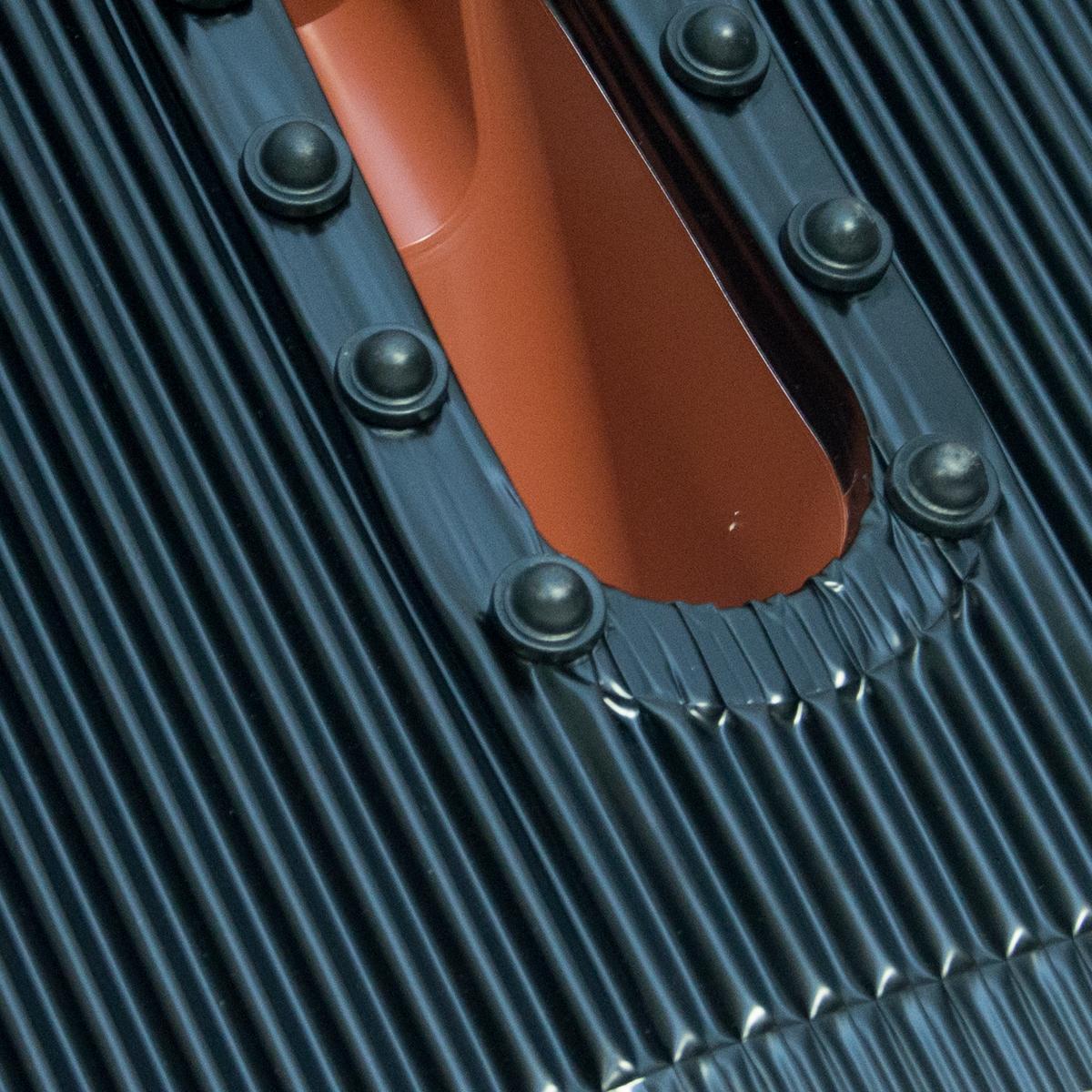 Dachabdeckung mit Kabeleinführung Alu-Dachziegel Rot Dach Montage Abdeckung Ziegel Dachpfanne für Sat Dachsparrenhalter
