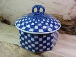 Box for biscuits, 1500 ml volume, 17 cm high, Tradition 27 - polish pottery - BSN 7256