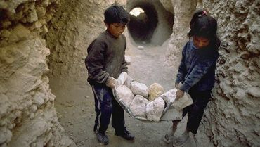 """""""By supporting child labor,"""" Unicef Bunzlauer Wholesale project 002"""