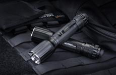Nextorch TA30 Tactical LED Taschenlampe, 1100 Lumen, Kopf mit Nano- Keramik Glasbrecher, Stroboknopfunktion – Bild 4