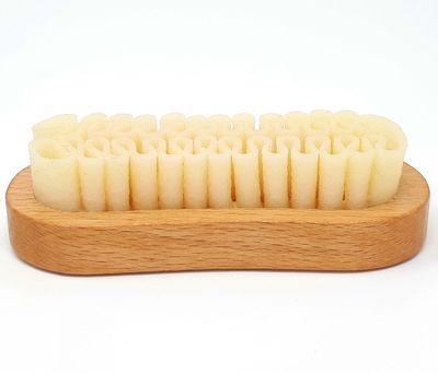 DELARA Wildleder-Bürste aus Holz mit Auflage aus Naturkrepp zur Reinigung von Taschen und Schuhen – Bild 3