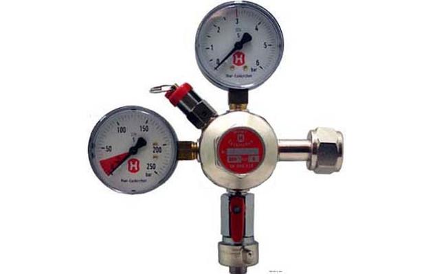 Hiwi Druckminderer für Bier-CO2-Anlagen 1 tgl 3 bar mit inhaltsm.
