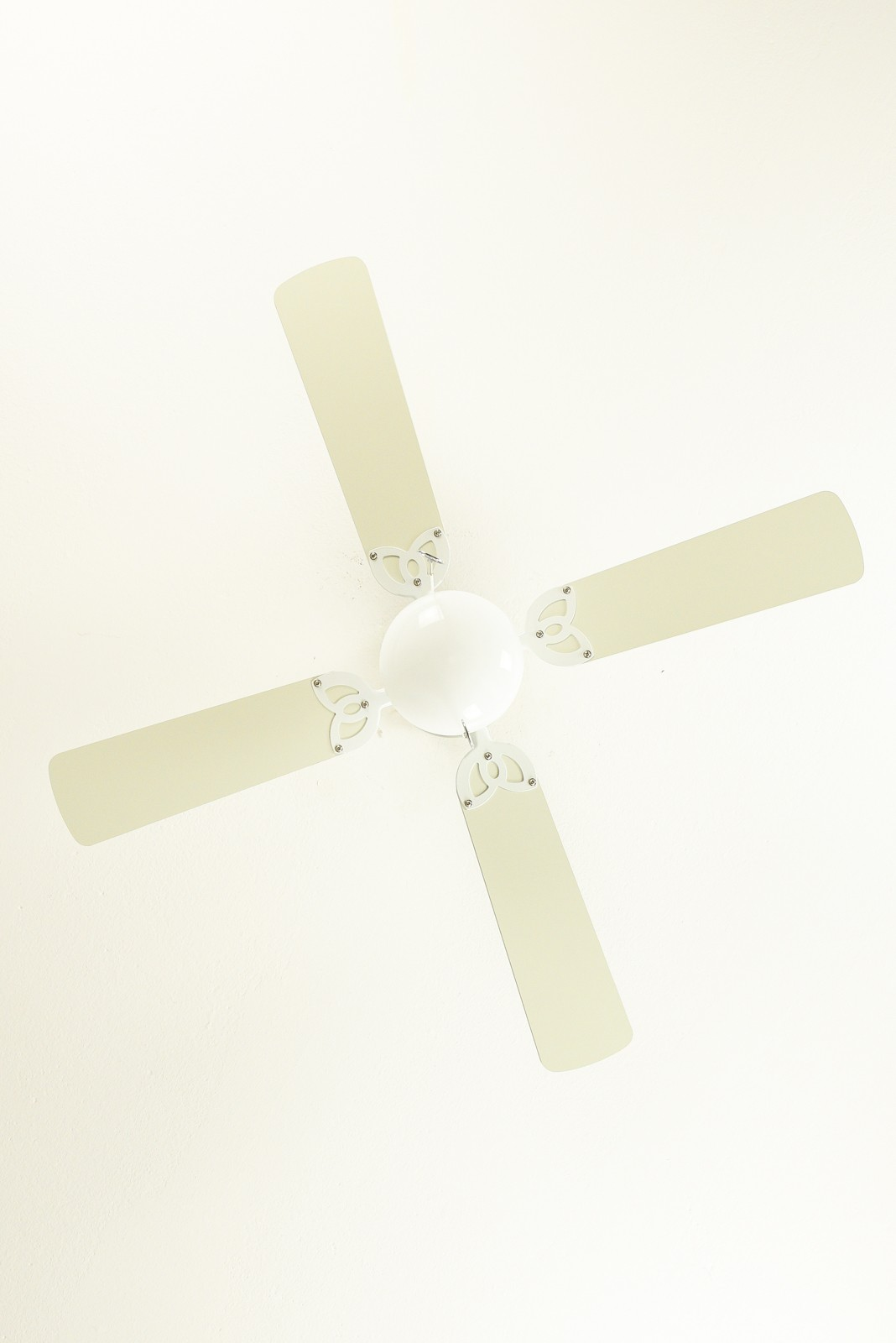 Westinghouse ceiling fan vegas white 105 cm 42 with lighting westinghouse ceiling fan vegas white 105 cm 42quot with lighting aloadofball Image collections