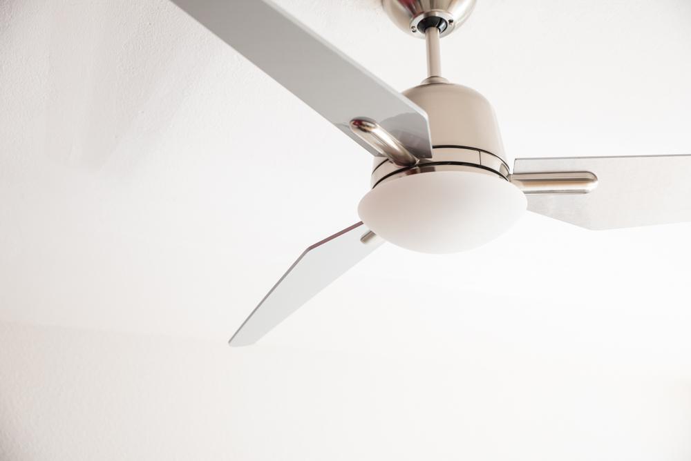 ventilateur de plafond basse consommation eco aviatos chrome bross 132 cm p les argent. Black Bedroom Furniture Sets. Home Design Ideas