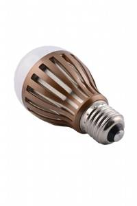 Everlight LED lamp 8 Watt E27 warm white