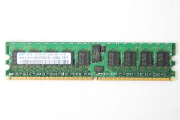 1GB Samsung Arbeitsspeicher M393T2950EZA-CE6Q0 0827 1Rx4 PC2-5300P-55-12-H3 DDR2 ECC – Bild 1