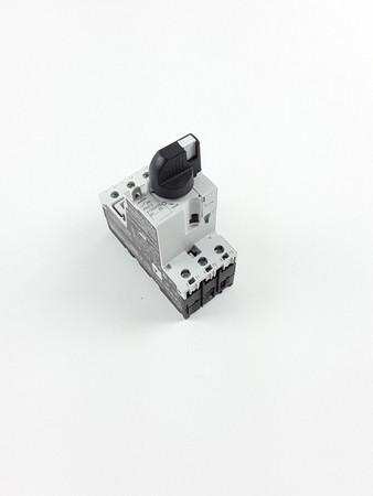 EATON Grundgerät PKE12/AK PKE12 3-polig, 12 A Knebel abschließbar – Bild 1