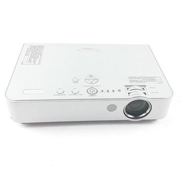Panasonic PT-LB50NTE XGA 1024x768 LCD Beamer Projektor 2000 ANSI 400:1 – Bild 2