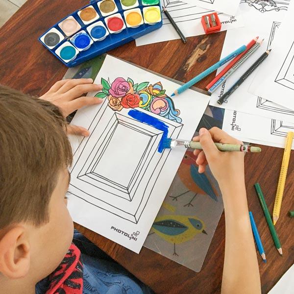 Ausmalbilder zum Ausdrucken Kind malt
