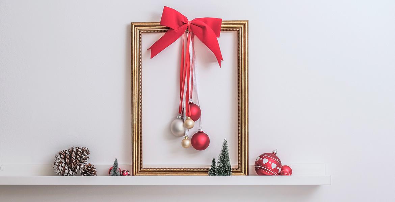 Weihnachtsdeko Christbaumkugel im Barockrahmen