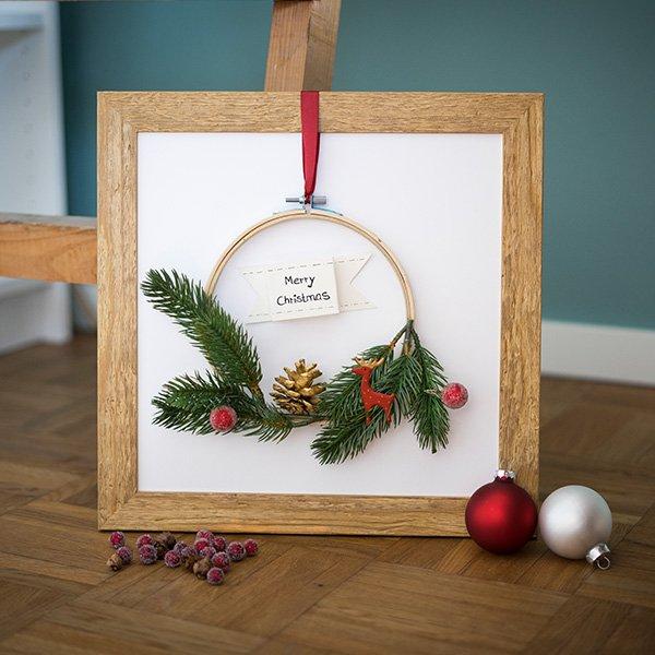 Weihnachtskranz basteln mit Bilderrahmen