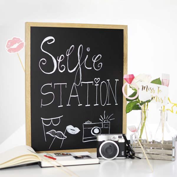 Hochzeitsdeko Ideen Magenttafel Selfie Station