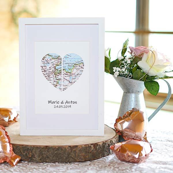 originelle Geschenk zur Hochzeit weißer Bilderrahmen mit Landkarte