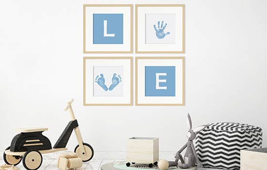 Baby-Bilderrahmen mit Hand- und Fussabdrücken