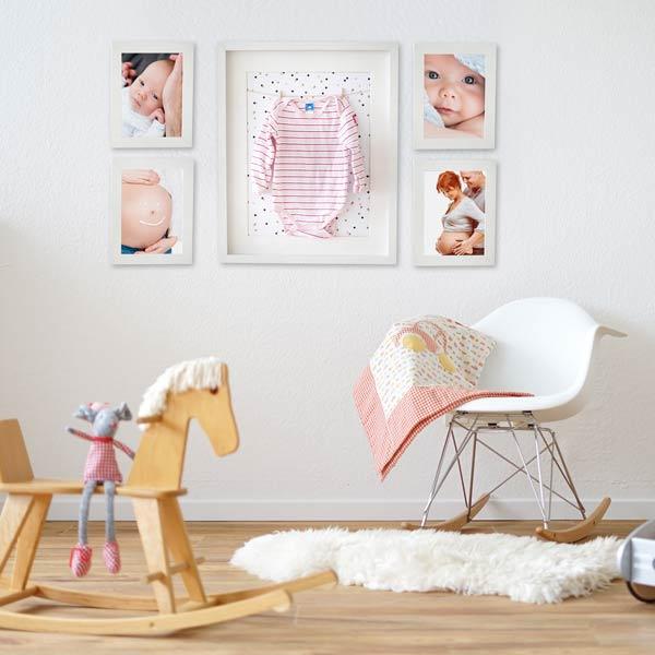 Baby-Bilderrahmen Set mit fünf weissen Bilderrahmen