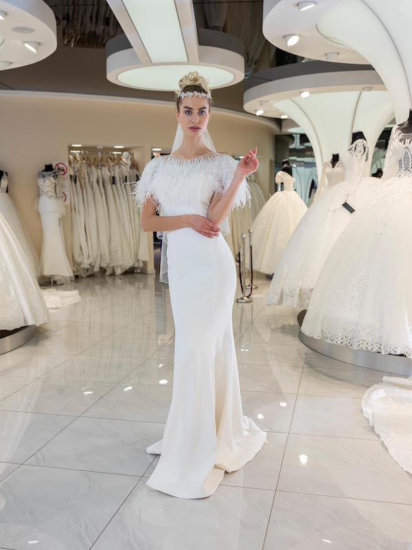 schlichte Braut-Kleider